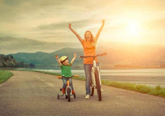Read more about the article Ce înseamnă dezvoltarea socială şi emoţională a copilului + 10 metode prin care il poti ajuta