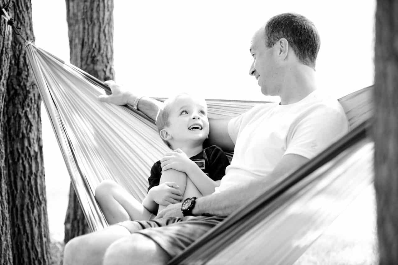 Cum îți poți ajuta copilul să-și dezvolte abilități conversaționale mai bune? 1