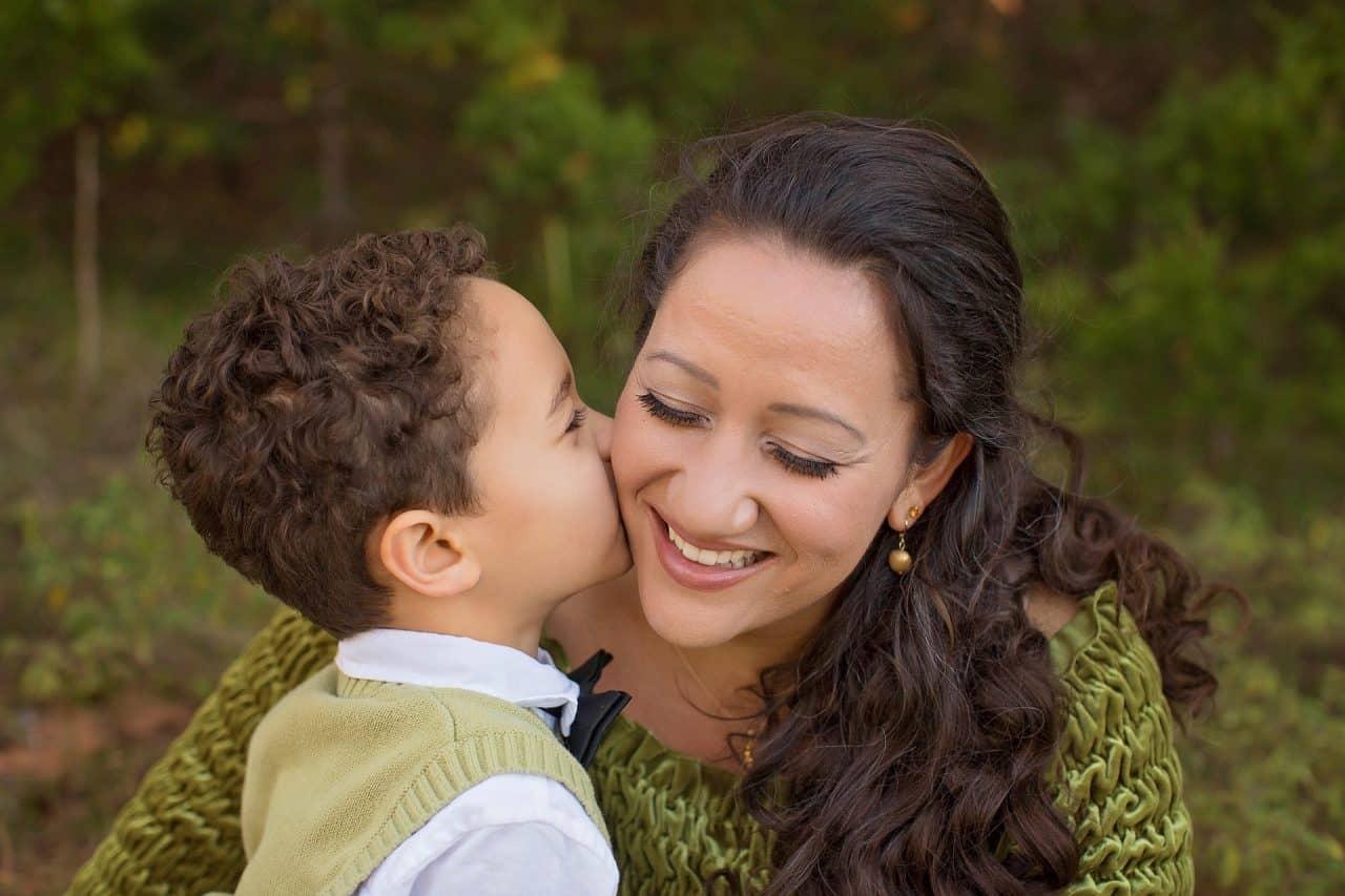 5 moduri de a crește inteligența emoțională a copilului tău 1