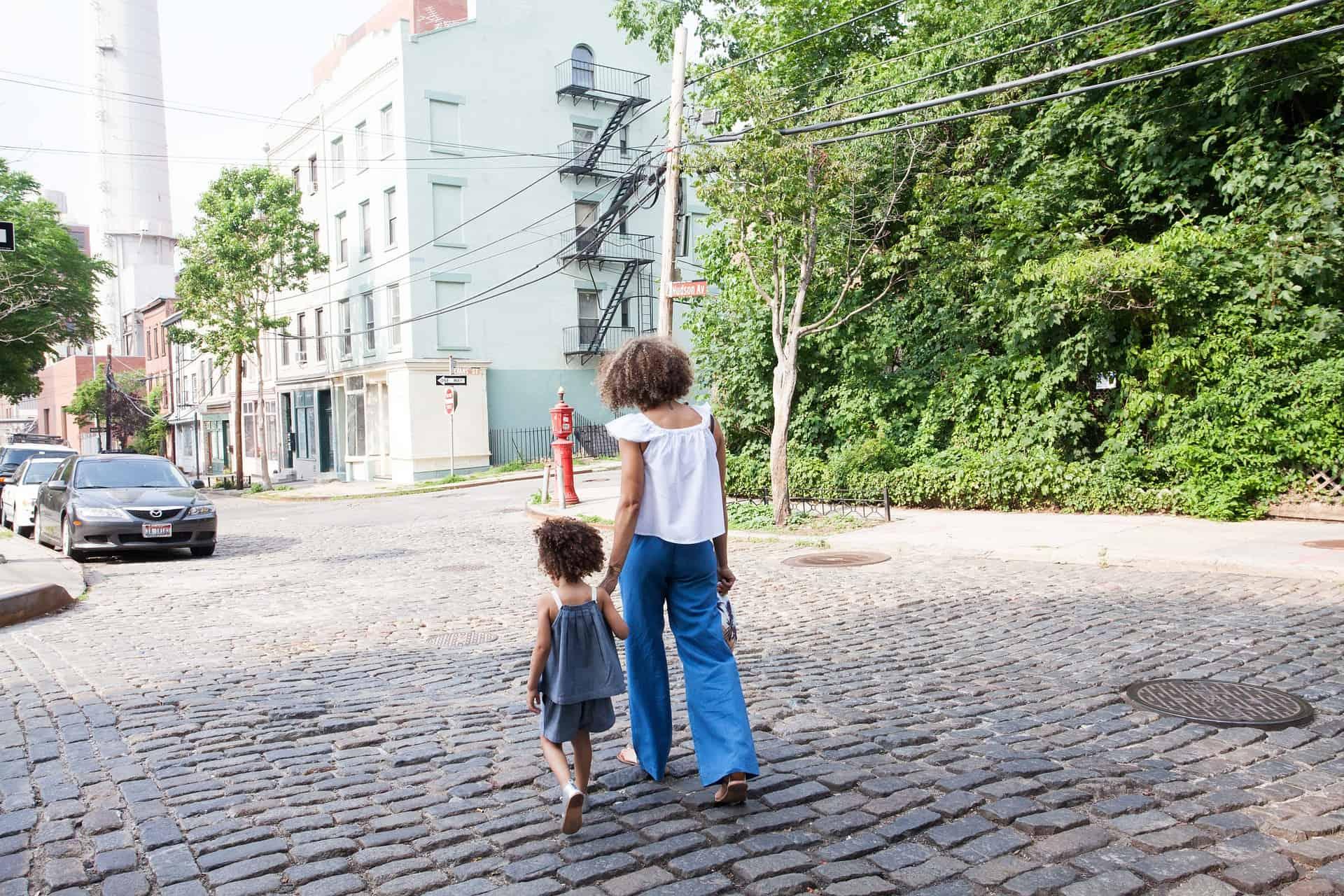 Cum faci față provocărilor dacă ești părinte singur 1
