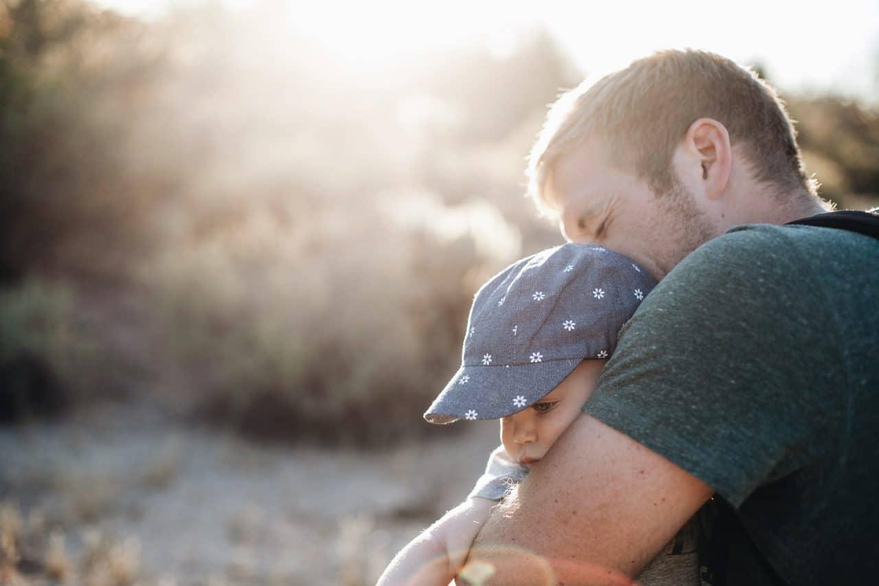 5 motive pentru a te abține de la o mică înjurătură în fața copilului 1