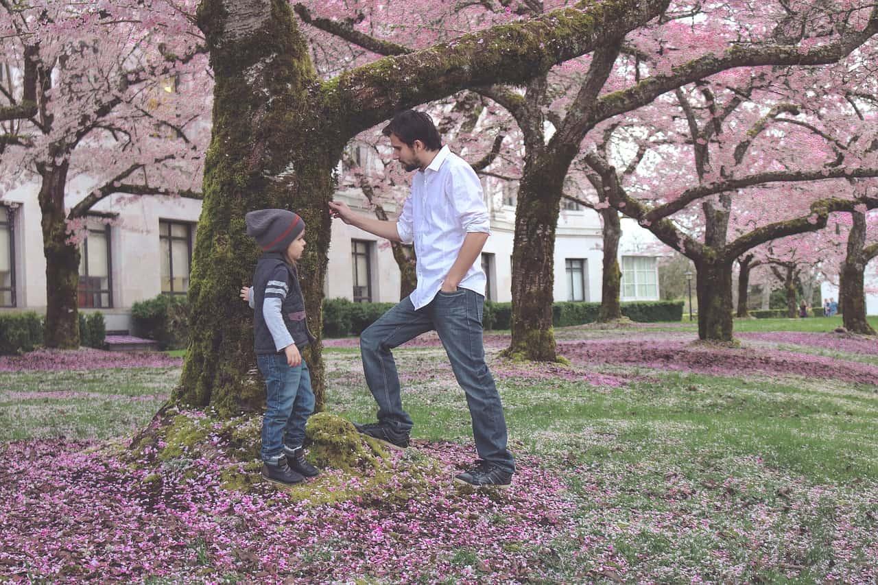 Ce este ascultarea activă și cum o putem folosi în relația cu copilul nostru? 1