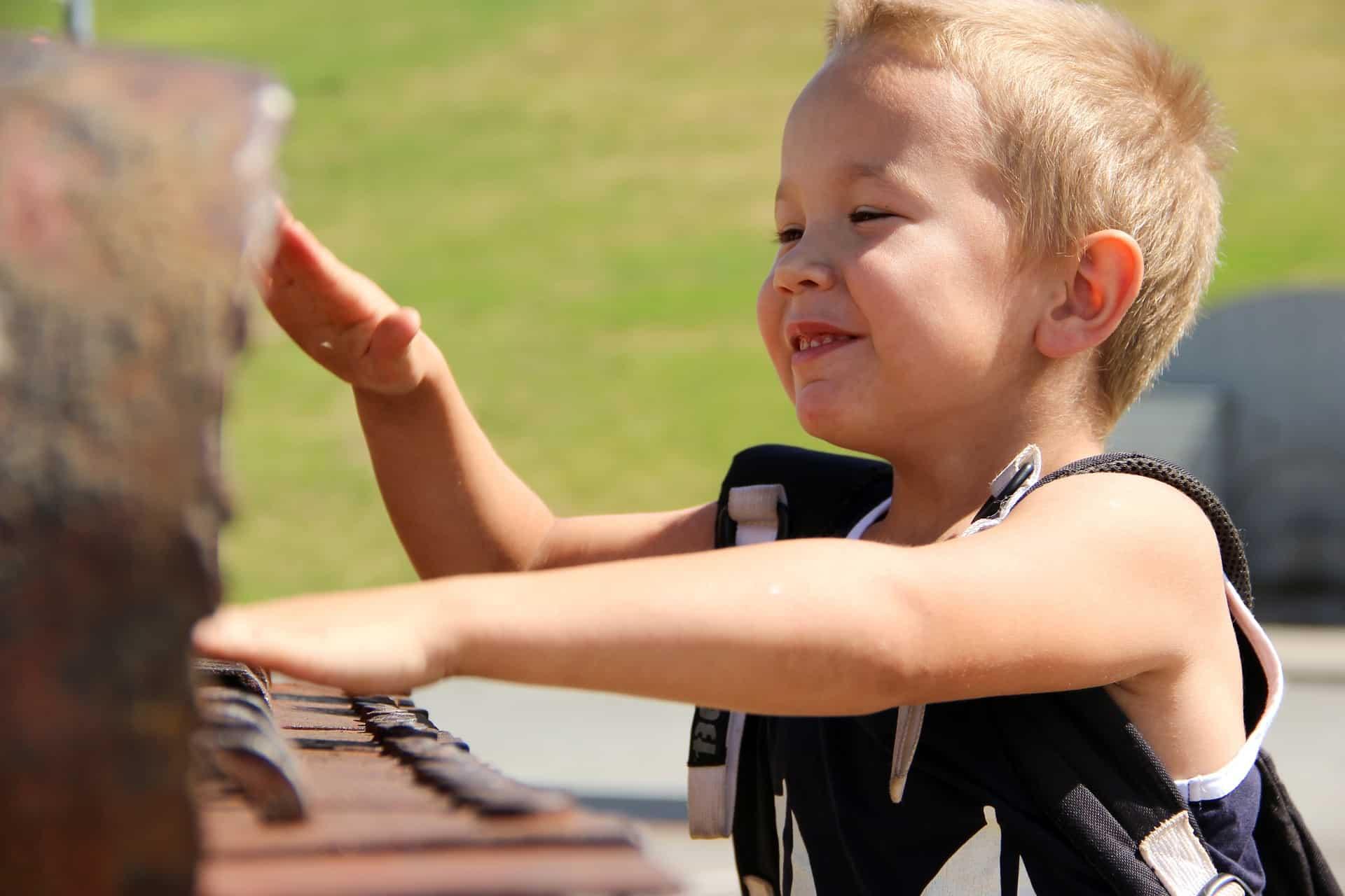 Cum îți poți ajuta copilul să-și recunoască emoțiile? 1