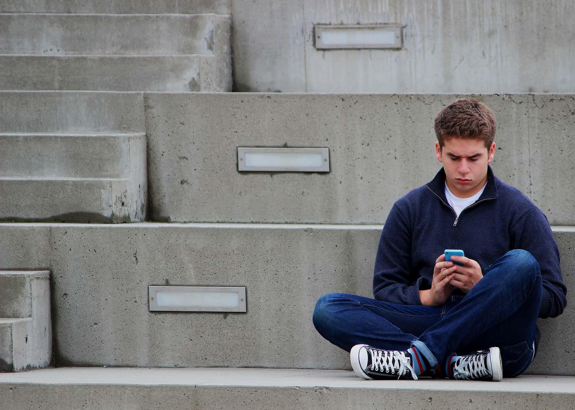 Cum ajungi să-ți distrugi relația cu adolescentul tău? 1