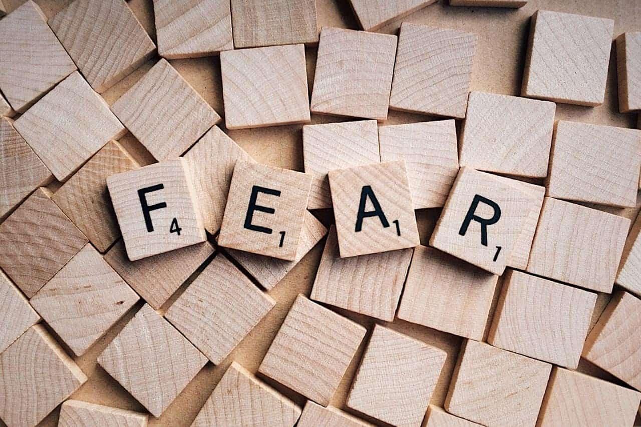 7 pași prin care poți să-ți învingi fricile de părinte 1