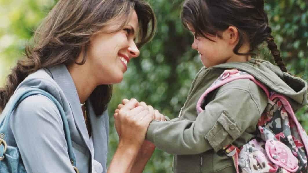 Afecțiunea pe care le-o dăruim copiilor le influențează nivelul de fericire 1