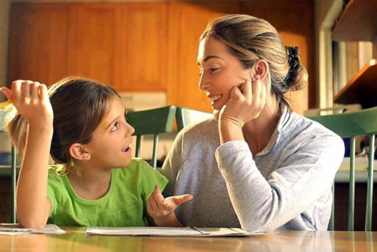 Modul în care vorbim cu copiii noștri devine vocea lor interioară 1