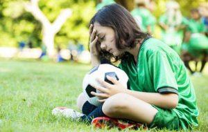 Read more about the article Tu-ți lași copilul să greșească? Pentru a avea un caracter puternic, dă-i voie să cunoască eșecul