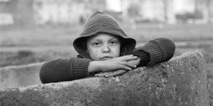 Read more about the article De ce copiii curioși au rezultate mai bune la școală, mai ales cei din medii sărace?