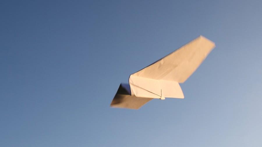 avion de hartie - activitati pentru copii