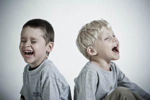 Read more about the article 99 De glume și bancuri pentru copii (pe care nu le-ai mai auzit)