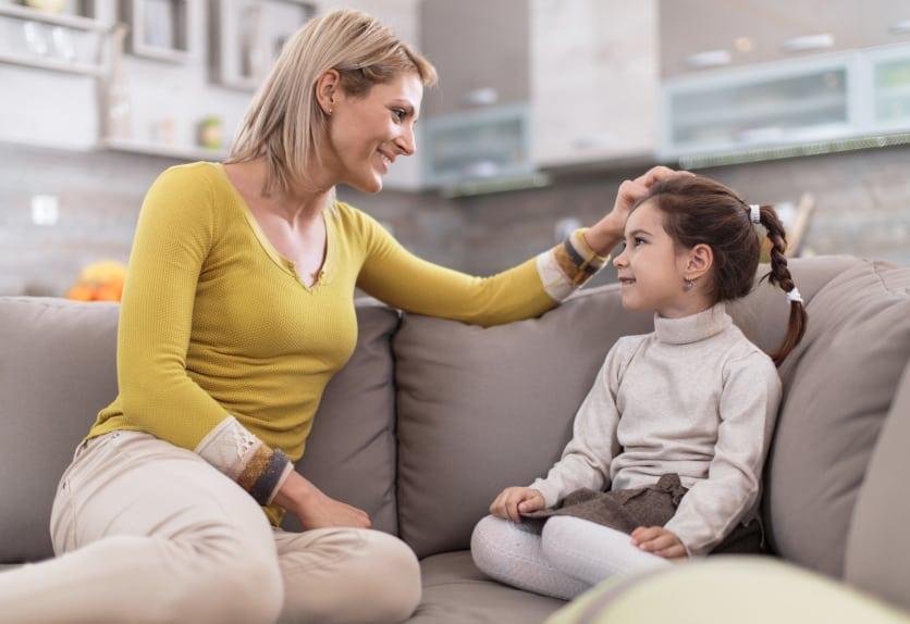 50 de întrebări simple pe care să i le pui copilului pentru a-l face  prietenul tău | Tikaboo