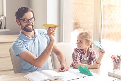 jocuri pentru copii in casa - avioane de hartie