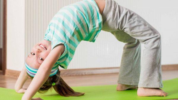 copil fit care face gimnastica - cum sa ai un copil fit