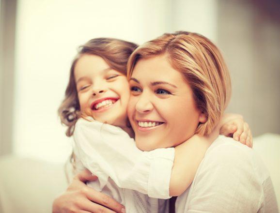 Read more about the article 5 sfaturi despre cum să le vorbim copiilor despre iubire