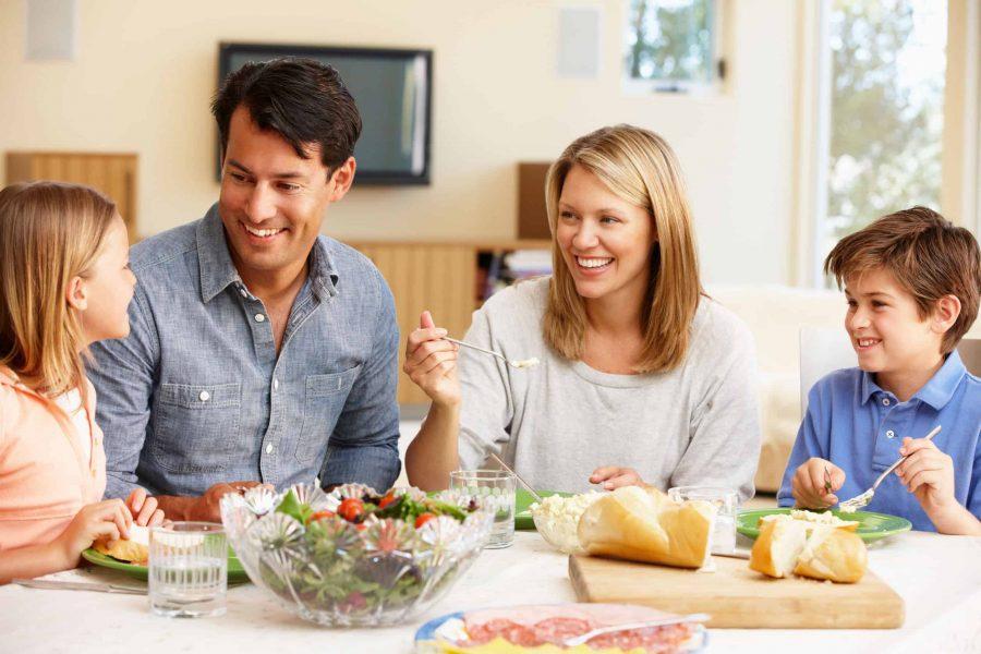 familia la masă