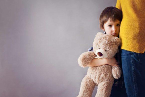 Read more about the article Cum îţi ajuţi copilul să scape de anxietate – 5 metode eficiente