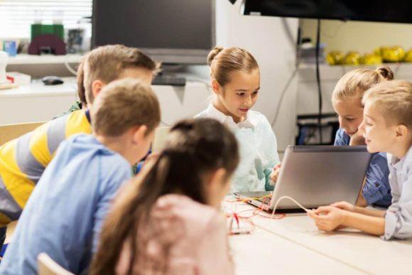 Read more about the article 9 motive pentru care copilului tău nu-i place la şcoală