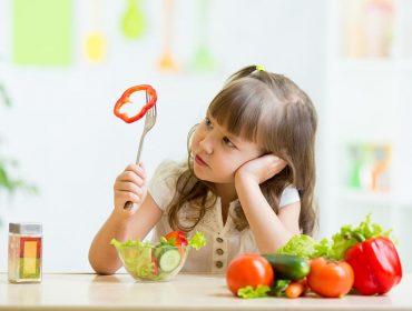 10 alimente absolut necesare micuțului și cum să-l convingi să le mănânce 4