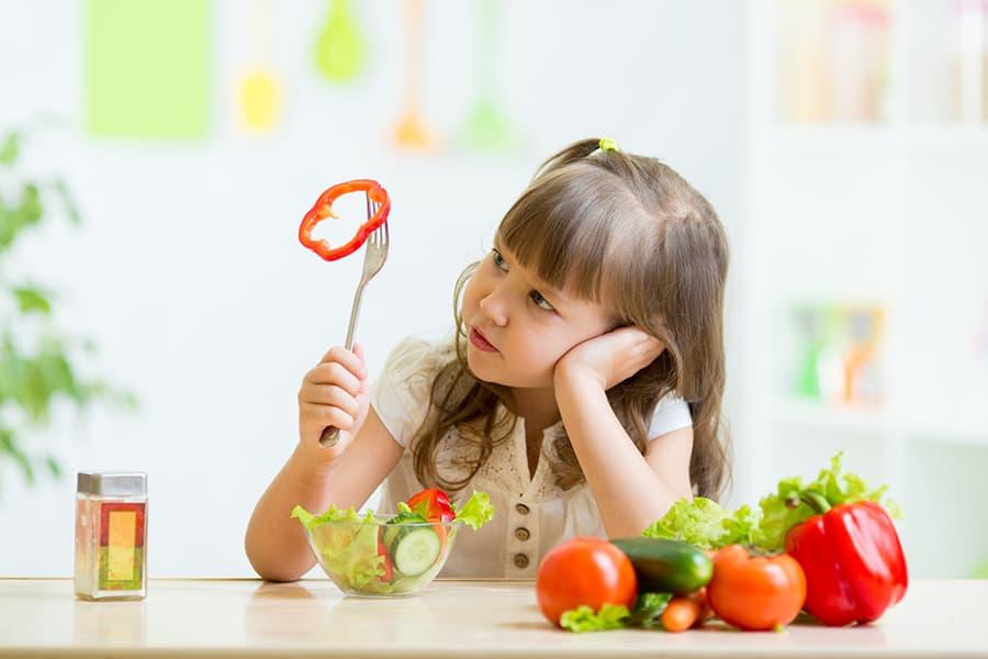 10 alimente absolut necesare micuțului și cum să-l convingi să le mănânce 1