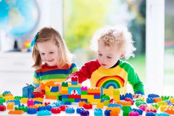 Read more about the article Jucării Educative: Cea mai bună variantă de a-l ajuta să învețe