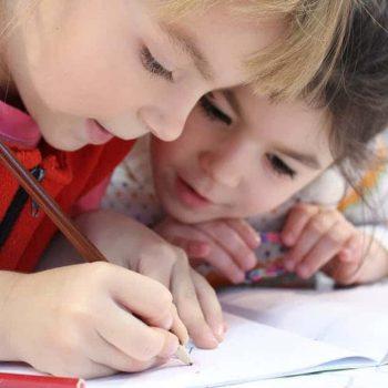 copii care desneaza- cum cresti icnrederea in sine a copilului