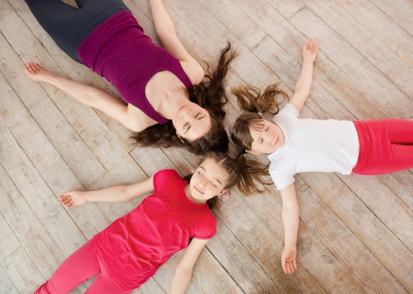 Read more about the article 5 Beneficii ale meditației la copii care te vor pune pe gânduri