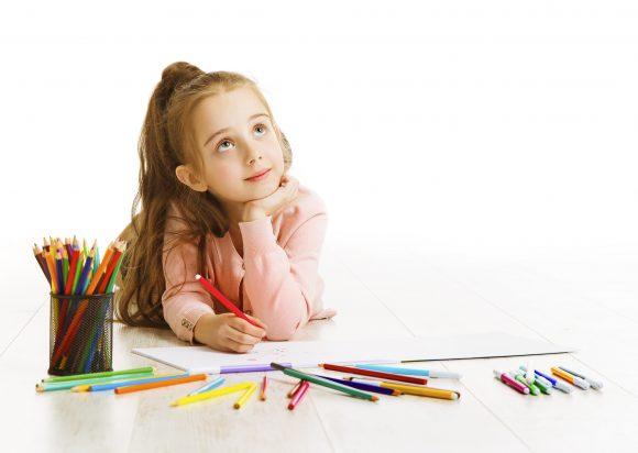 Read more about the article 6 caracteristici care te vor ajuta să interpretezi desenele copilului tău