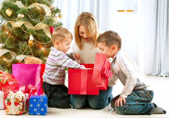 Read more about the article 25 de cadouri de Crăciun pe care copilul tău le va iubi