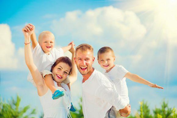 Read more about the article Dezvoltarea personală a copilului este o lecție predată de mamă
