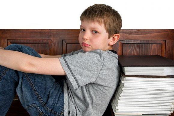 Read more about the article Educaţia alternativă: Lucruri pe care copiii ar trebui să le facă în locul temelor pentru acasă