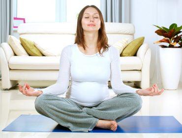mama mediteaza - mindfulness