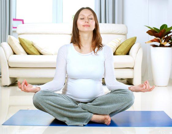 Read more about the article Pentru mame: cum să practici mindfulness şi să îţi îmbunătăţeşti viaţa – 4 paşi simpli