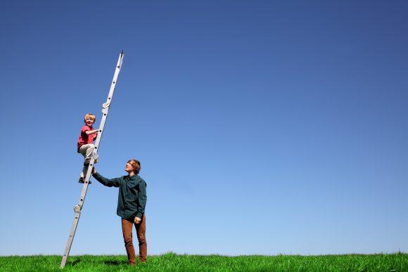 Read more about the article Vrei să crești un copil rezilient? Învață-l să se împrietenească cu greșelile și eșecul!