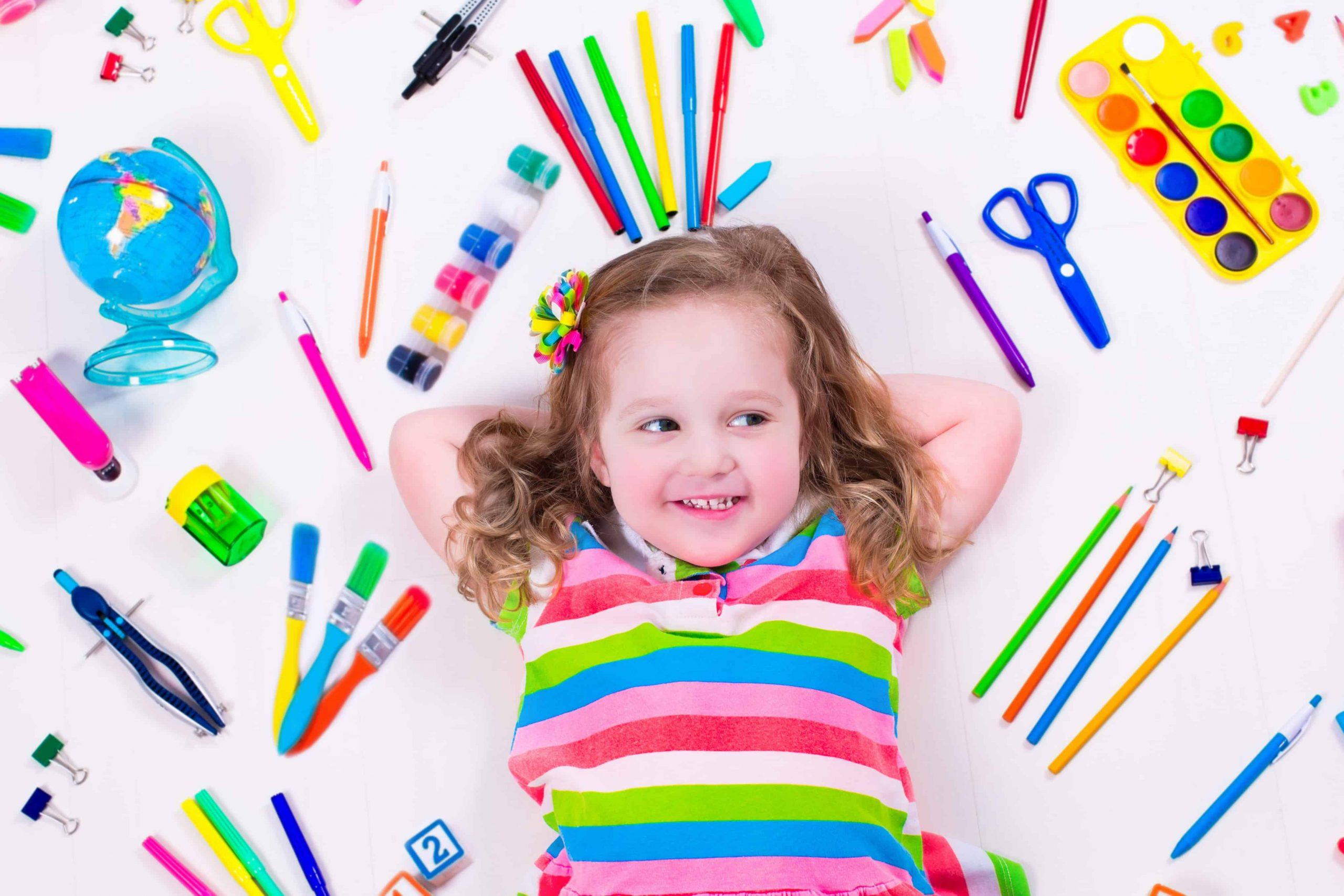 Cum să deblochezi creativitatea copilului în 5 pași simpli (chiar dacă nu ești un adult creativ)