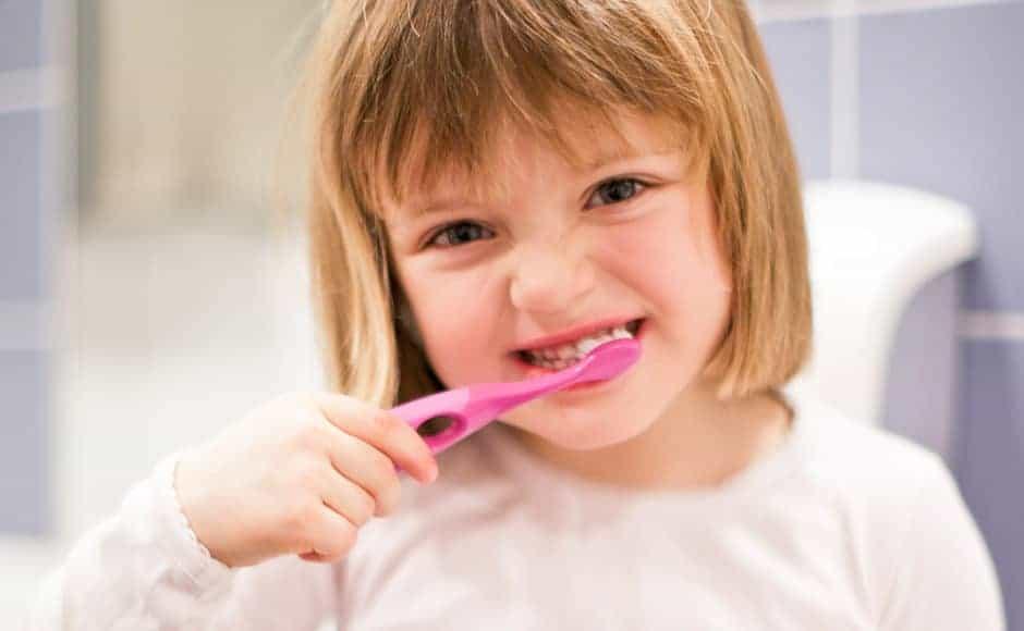 5 metode prin care să-ţi convingi copilul să meargă la stomatolog