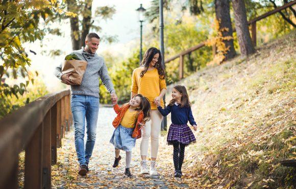 Read more about the article 6 lecţii esențiale pe care copilul le învaţă din căsnicia părinţilor