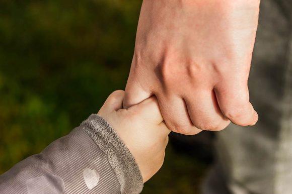 Read more about the article Cum îi formezi abilităţi de viaţă copilului tău