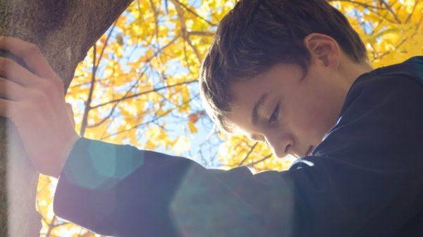 Cum faceţi faţă, tu şi copilul tău, plecării în străinătate a unuia dintre părinţi? 1