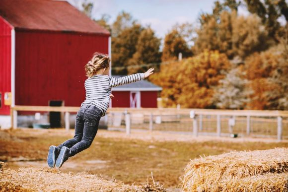 Read more about the article 10 jocuri de mişcare în aer liber pentru copii