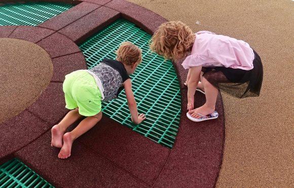 Read more about the article De ce este extrem de important să-ți lași copilul să fie curios