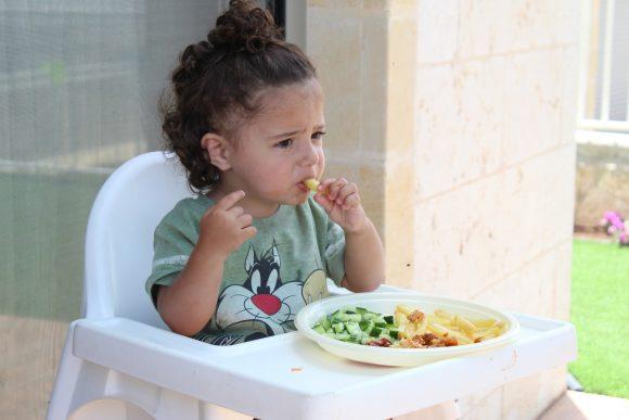 Read more about the article Tehnici sigure care îți vor ajuta copilul să aibă o abordare pozitivă în ceea ce privește alimentația (Partea I)