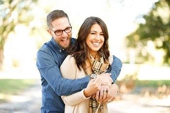 cuplu fericit impreuna