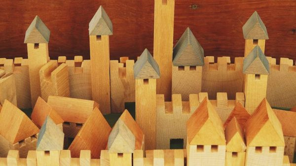jucăriile din lemn