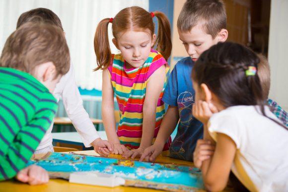 Read more about the article Vezi ce se ascunde în spatele jocurilor pentru a ști ce înclinații și aptitudini are copilul tău