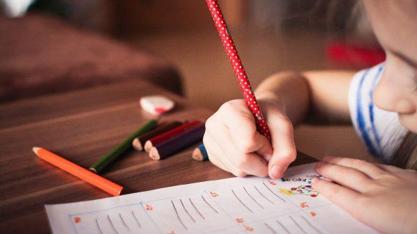 6 pași prin care îți poți ajuta copilul să se concentreze mai bine 3