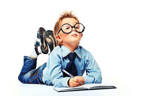 Read more about the article Cele 8 semne care îţi spun că ai un copil genial, cu un nivel de inteligenţă remarcabil