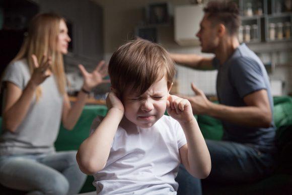 Read more about the article Cum ne afecteaza traumele copilăriei la vârsta adultă