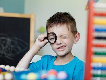 8 calități asociate gândirii critice - Cum ne ferim copiii de analfabetism funțional 8