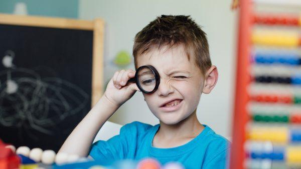 8 calități asociate gândirii critice - Cum ne ferim copiii de analfabetism funțional 2